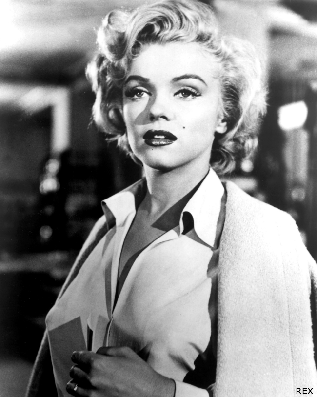 Marilyn-Monroe-Hair-Supercuts-Still-Blonde-Red-Lips-BlackWhite