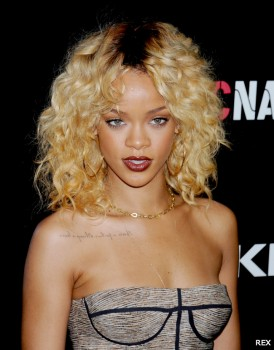 Rihanna-Blonde-Curly-Hair-Supercuts