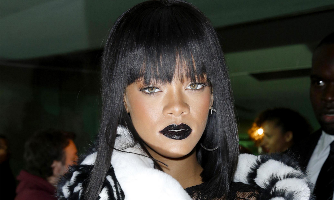 Rihanna-March-2014-Straight-Hair-Trend-Supercuts
