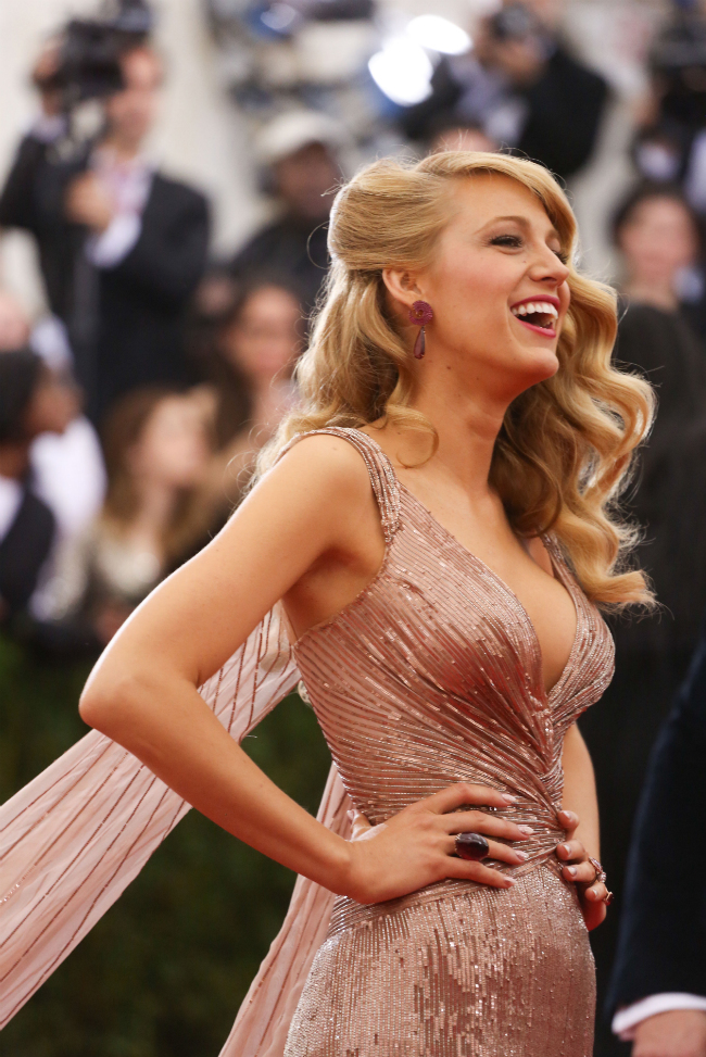 Blake-Lively-Met-Gala-Hair-Dress-2014