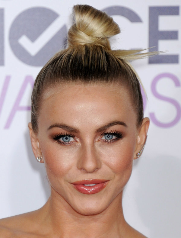 julianne hough people's choice awards 2016