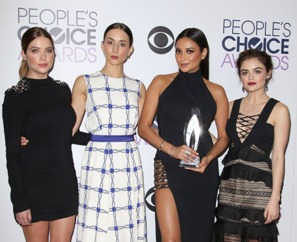 pretty little liars people's choice awards 2016 shay mitchell ashley benson lucy hale troian bellisario