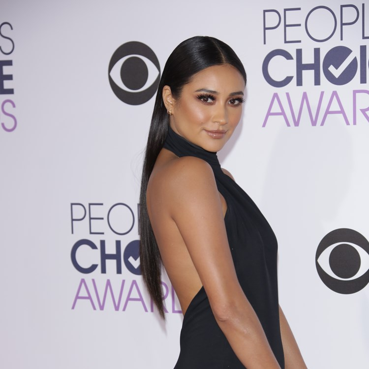 shay mitchell people's choice awards 2016