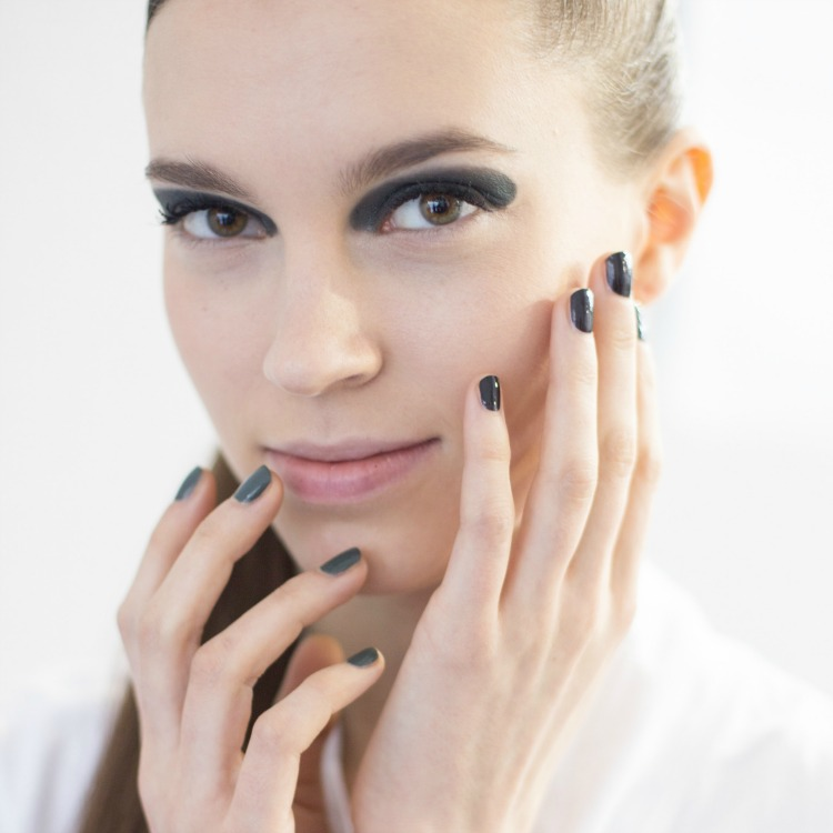 Green Nails 3 Dior Featured
