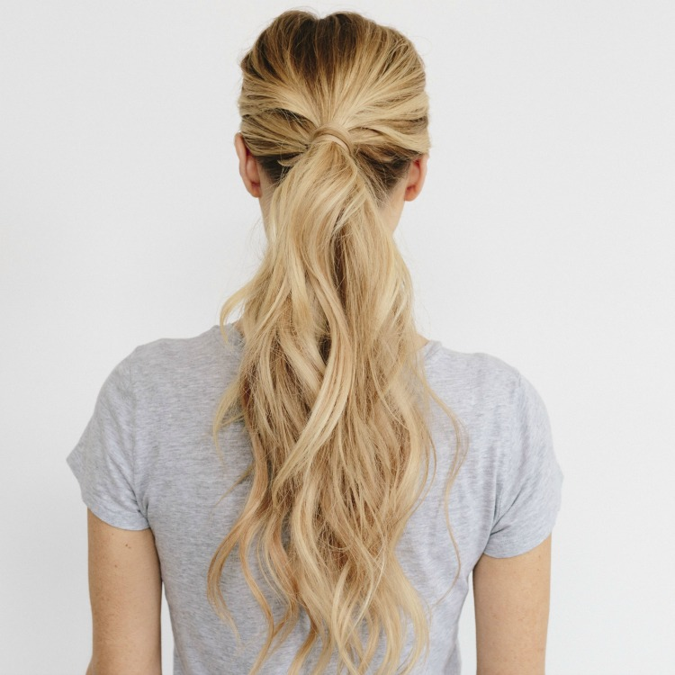 How to do a cute ponytail for work