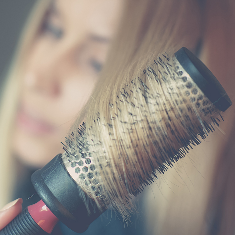 Clean hairbrush Supercuts guide